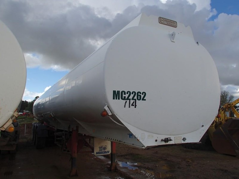 marshall lethlean tri axle water tanker 413333 009