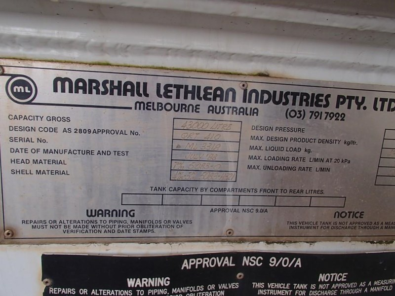 marshall lethlean tri axle water tanker 413333 019
