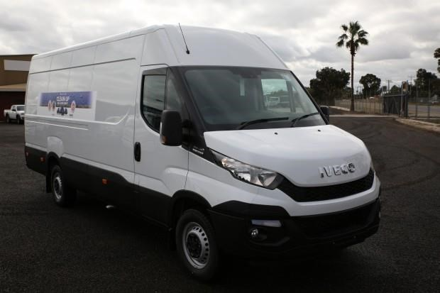 iveco daily 35s13 413442 001