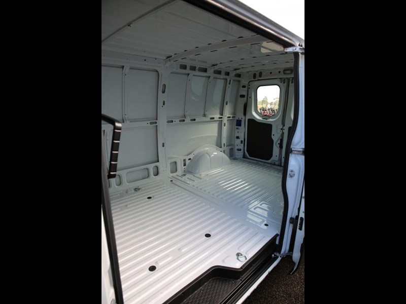 iveco daily 35s13 413447 008
