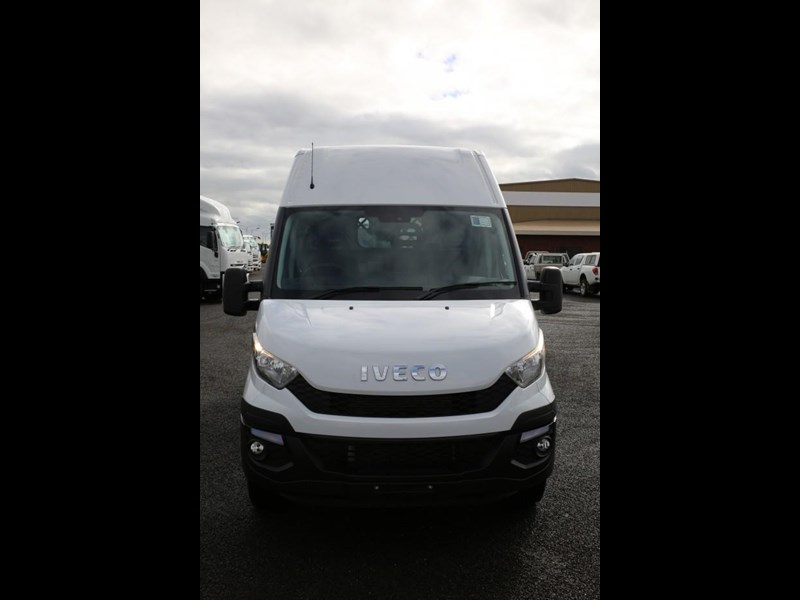 iveco daily 35s13 413449 007