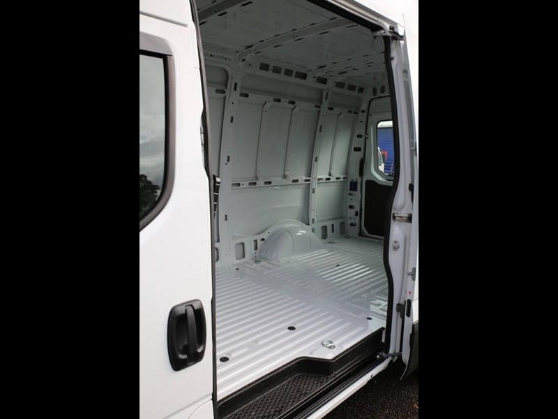 iveco daily 35s13 413449 019