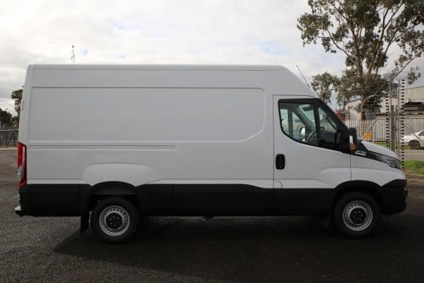iveco daily 35s13 413449 027