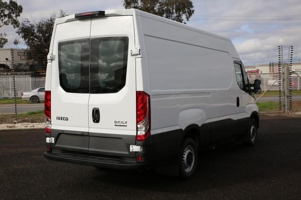 iveco daily 35s13 413449 037