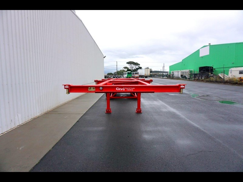 cbtc australian made tri-axle retractable skel trailers 413709 007