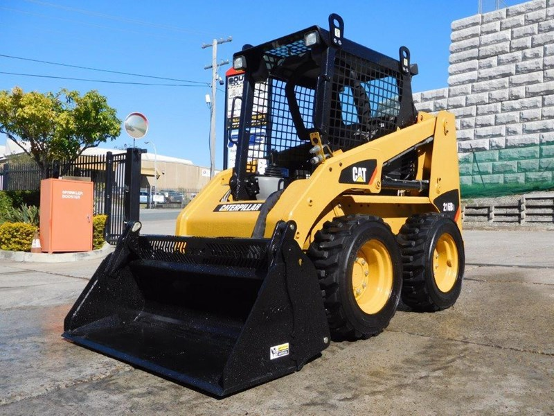 caterpillar #2229 216b.3 cat 216.b3 skid steer loader [47 hp][demo machine with only 172.6 hours] [machcat] 413736 002