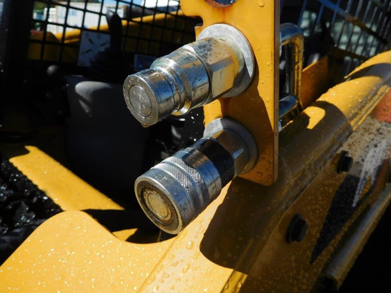 caterpillar #2229 216b.3 cat 216.b3 skid steer loader [47 hp][demo machine with only 172.6 hours] [machcat] 413736 012