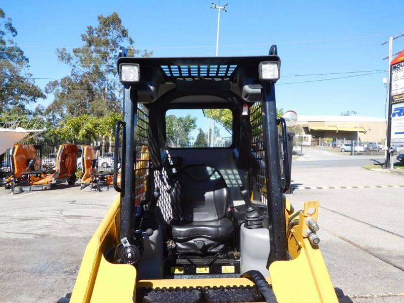 caterpillar #2229 216b.3 cat 216.b3 skid steer loader [47 hp][demo machine with only 172.6 hours] [machcat] 413736 017