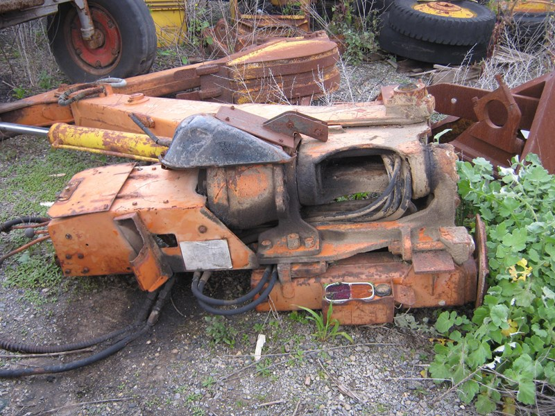 case backhoe attachment 213350 003