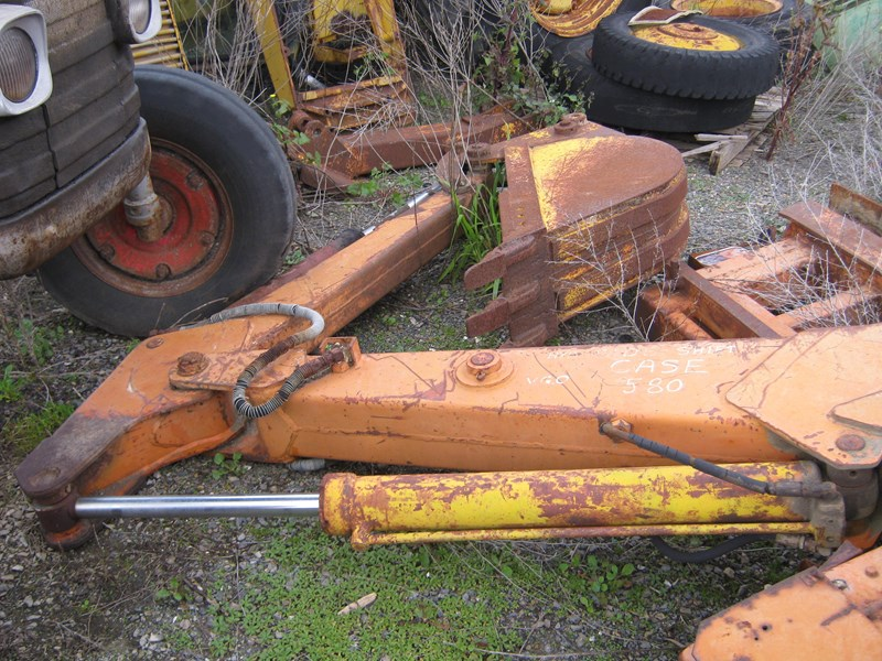 case backhoe attachment 213350 005