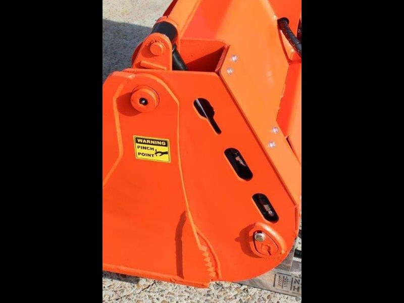 yanmar 4 in 1 bucket to suit 5 to 8 ton kubota bobcat yanmar excavators [1200 mm] [attbuck] 415064 010