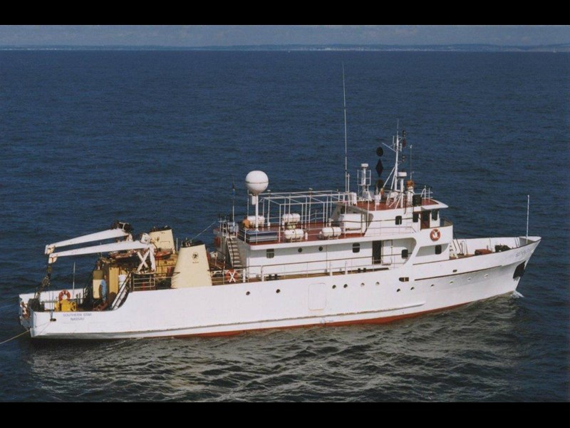 custom steel 36m supply/support ship 157750 007