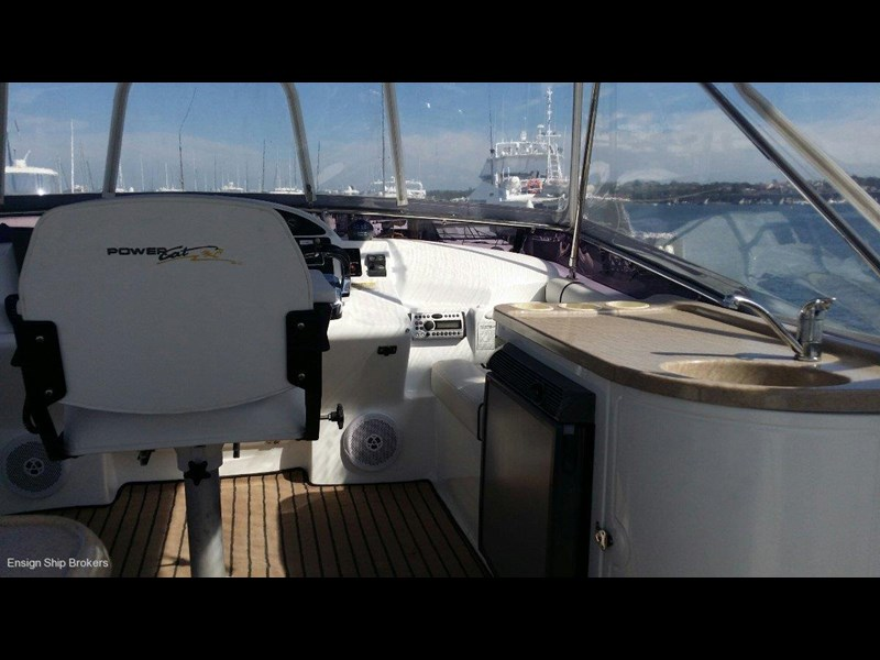 powercat 3800 flybridge 375422 069