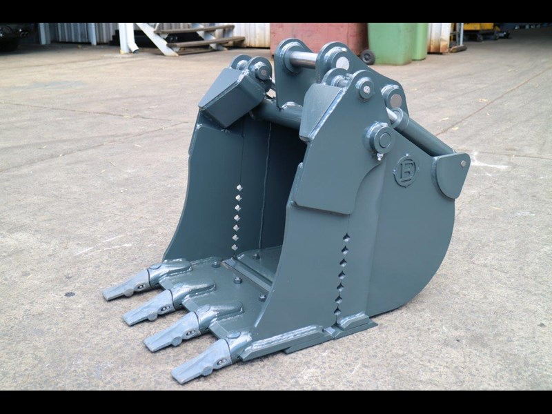 peter gardner engineering 4 in 1 excavator bucket 220638 001