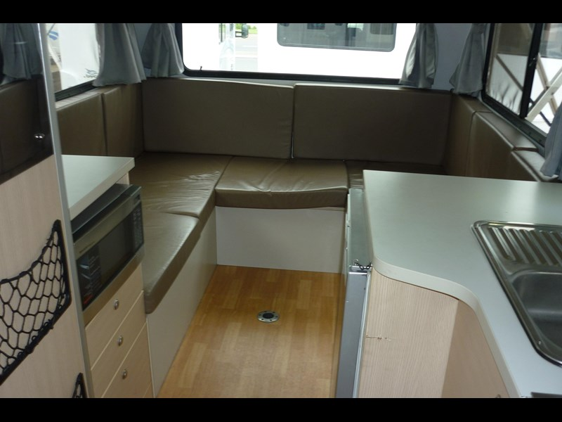volkswagen crafter beach 4 berth automatic 296588 011