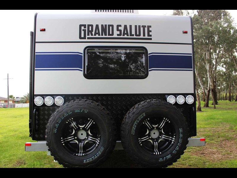grand salute royal guard 22ft off road 417270 011