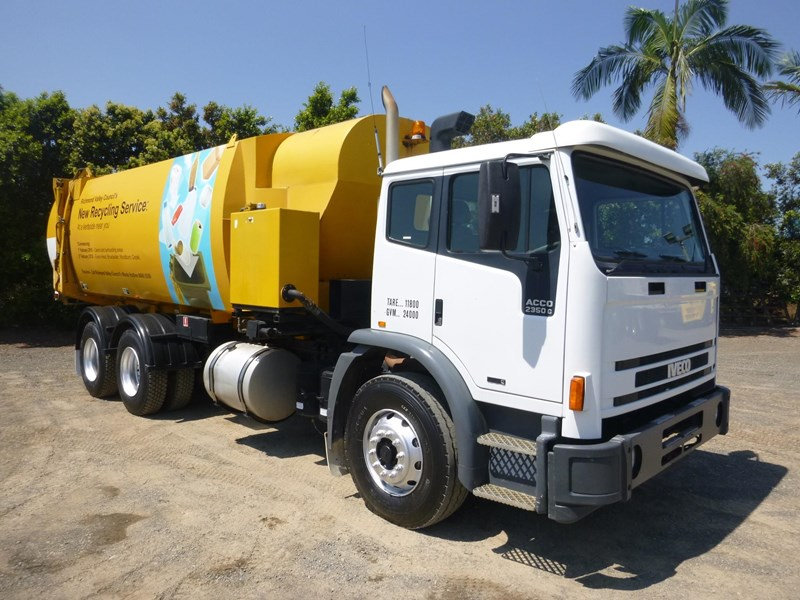 iveco acco 2350g 130129 001