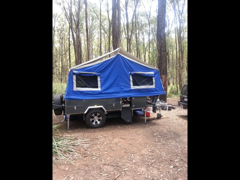 market direct campers expedition series offroad forward fold 418589 009