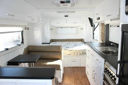 retreat caravans brampton 418905 027