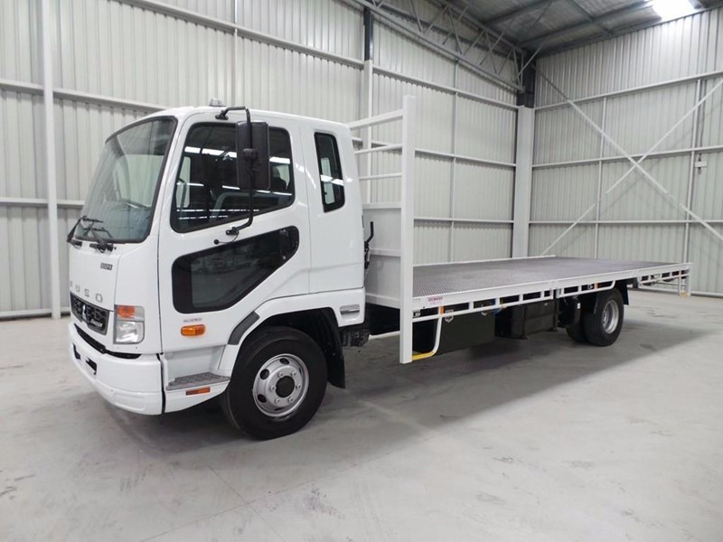 fuso fighter 1024 336843 021