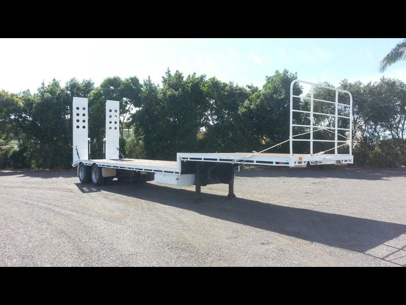 freightmaster drop deck w/ ramps 360268 027