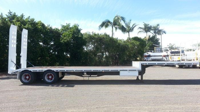 freightmaster drop deck w/ ramps 360268 029