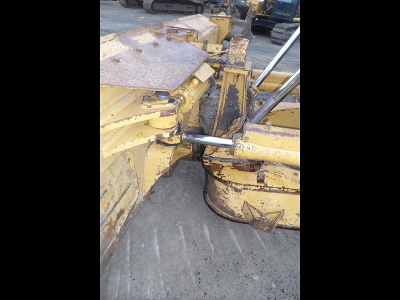 caterpillar d6t xw 395213 011