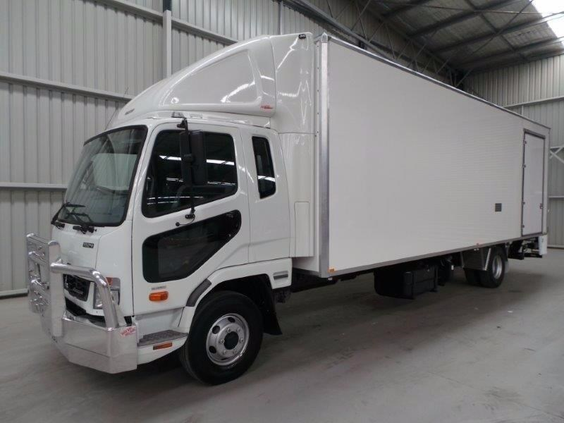 fuso fighter 1024 315334 049
