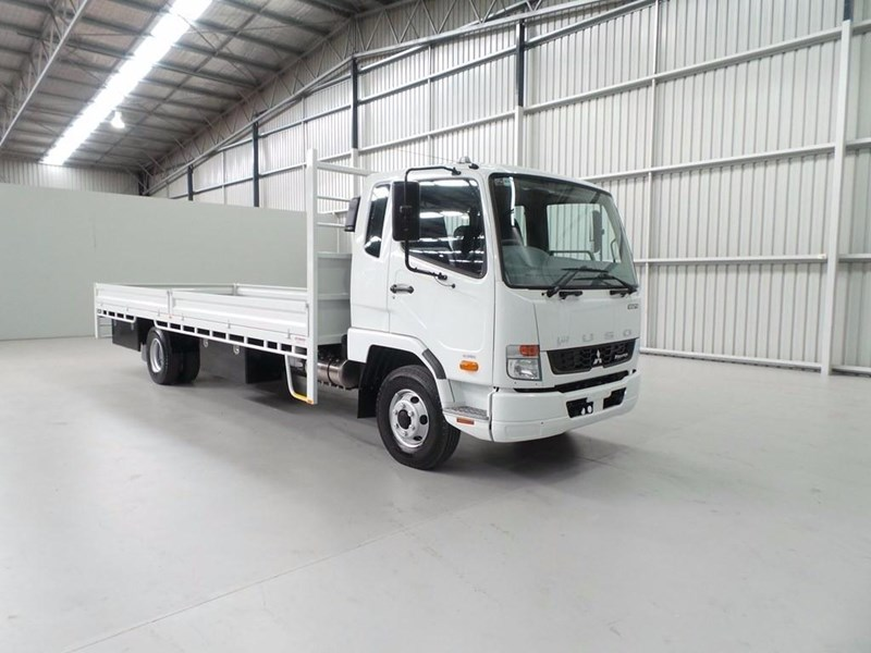fuso fighter 1024 399163 053