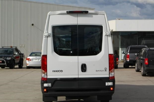 iveco daily 35s13 420463 011