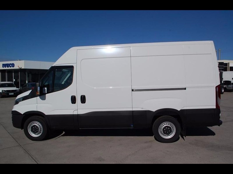 iveco daily 35s13 420464 002