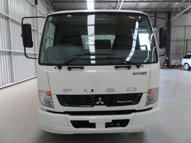 fuso fighter 1024 323779 027