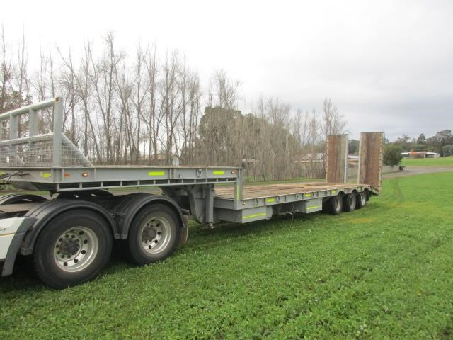 custom low loader trailer 421343 002
