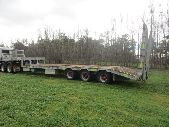 custom low loader trailer 421343 005