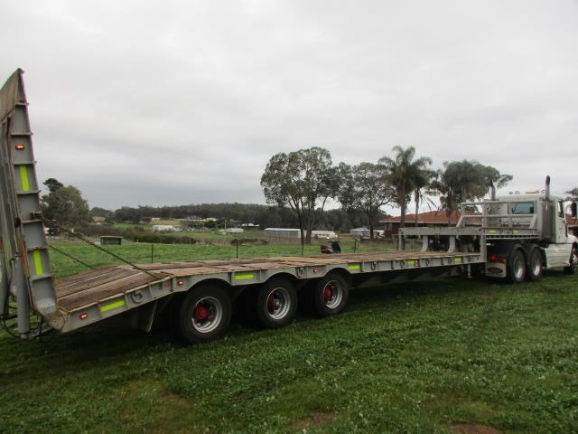 custom low loader trailer 421343 007