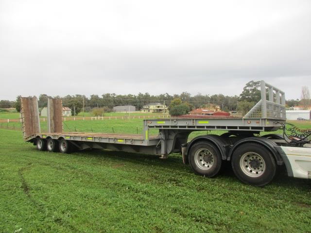 custom low loader trailer 421343 001