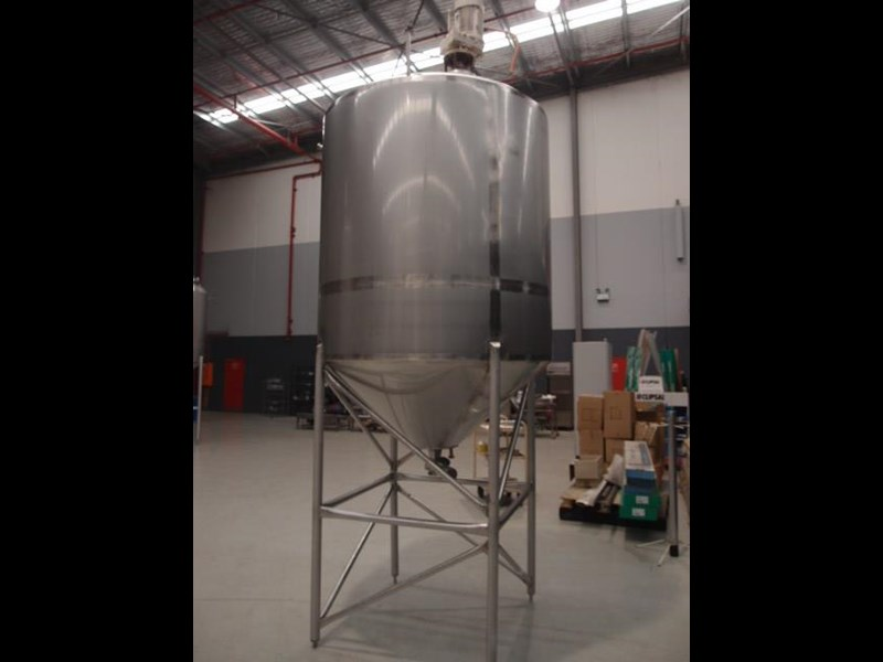 stainless steel mixing tank 3,000lt 419880 003