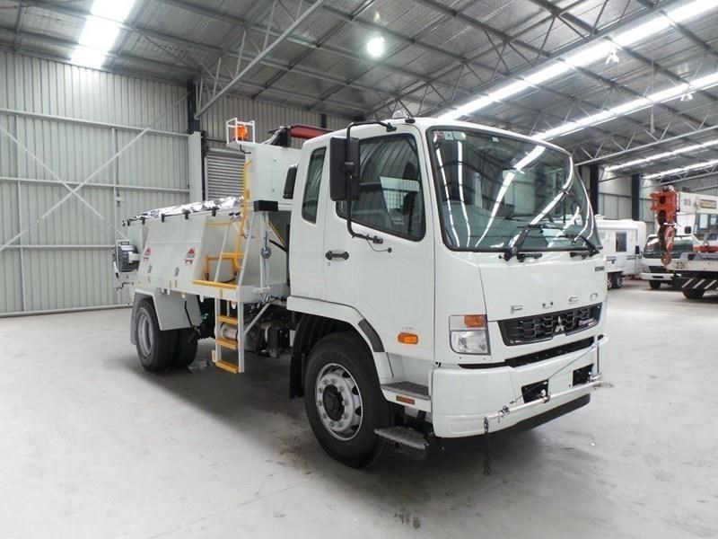 fuso fighter 1627 380807 055