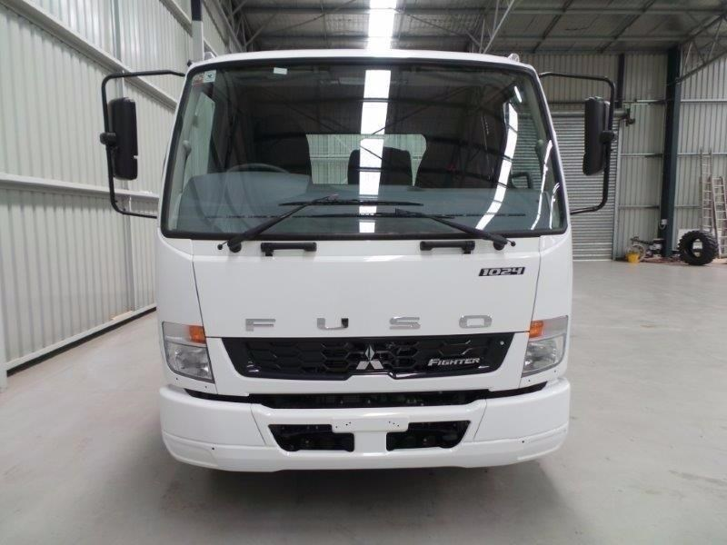 fuso fighter 1024 380330 057