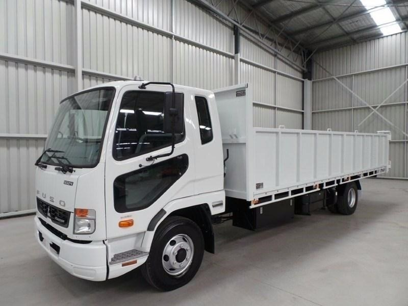 fuso fighter 1024 379571 055