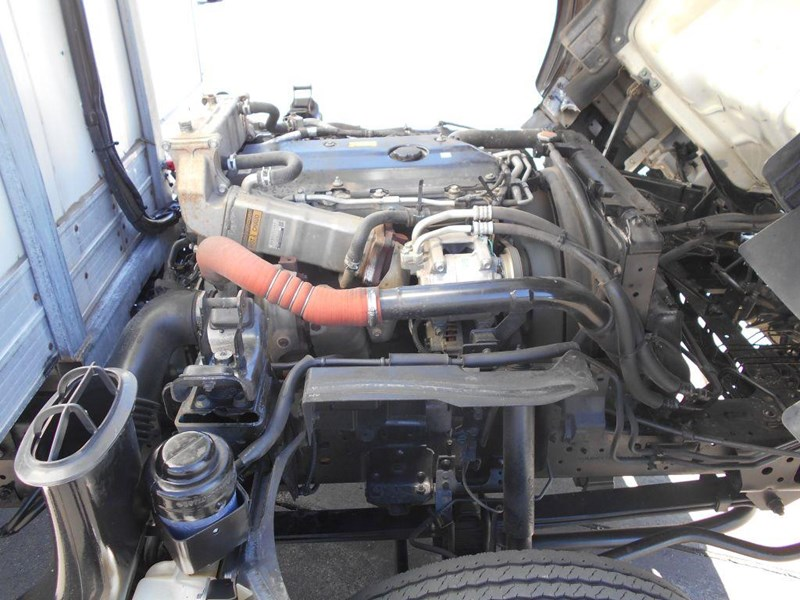 isuzu npr200 medium 419734 018