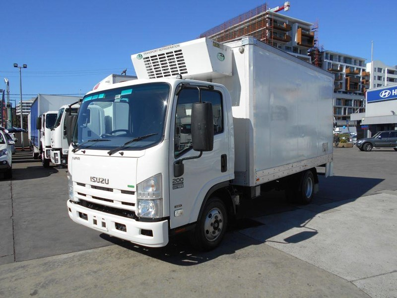 isuzu npr200 medium 419734 003