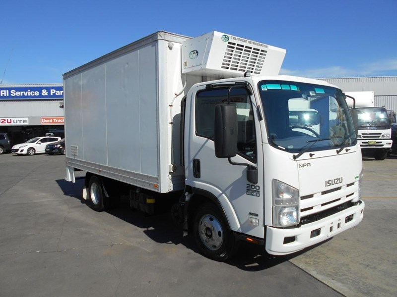 isuzu npr200 medium 419734 001