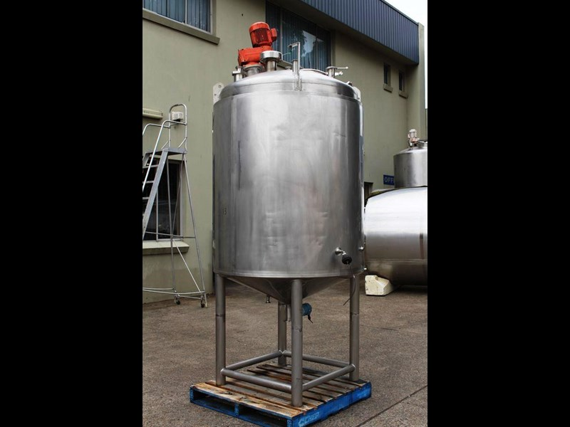 apv stainless steel jacketed mixing tank 422583 003