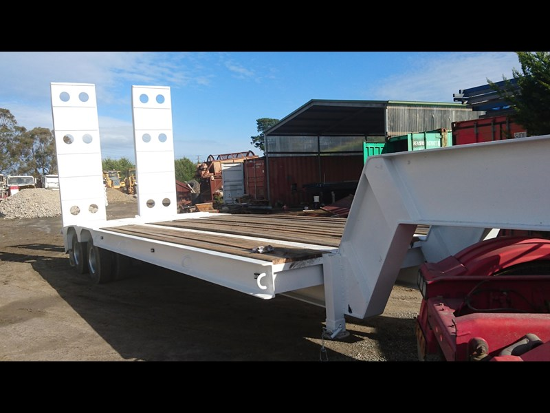 freighter 2 axle low loader 423257 001