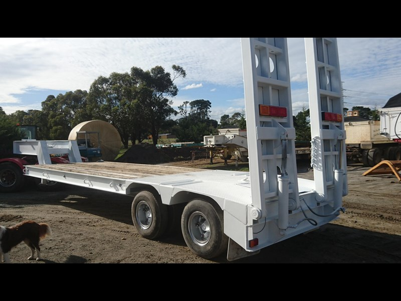 freighter 2 axle low loader 423257 002
