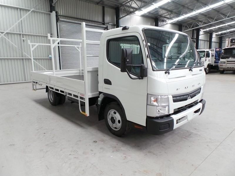 fuso canter 515 wide cab 379642 051