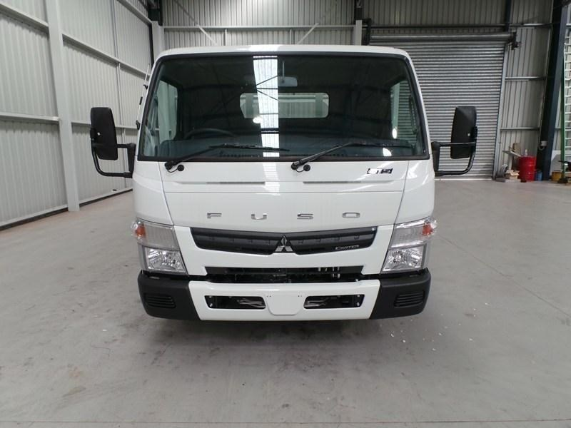 fuso canter 515 wide cab 379642 053