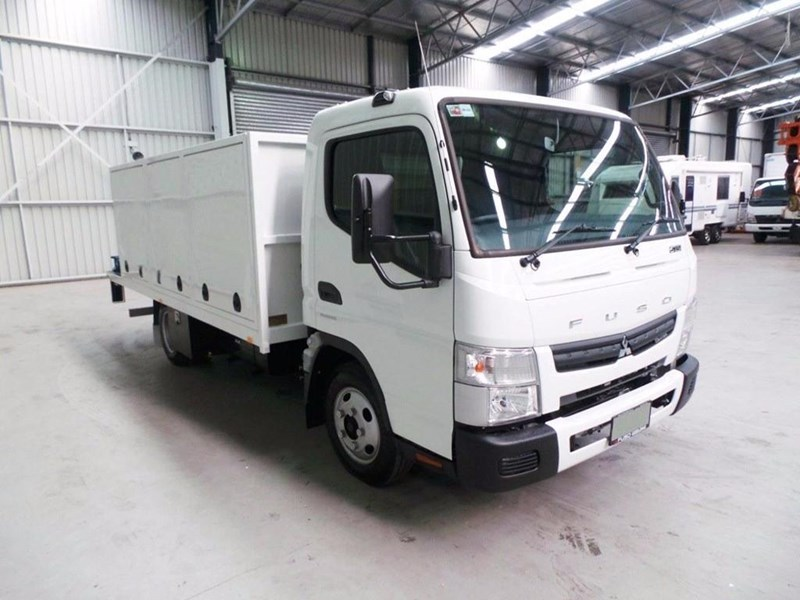 fuso canter 515 wide cab 345858 047