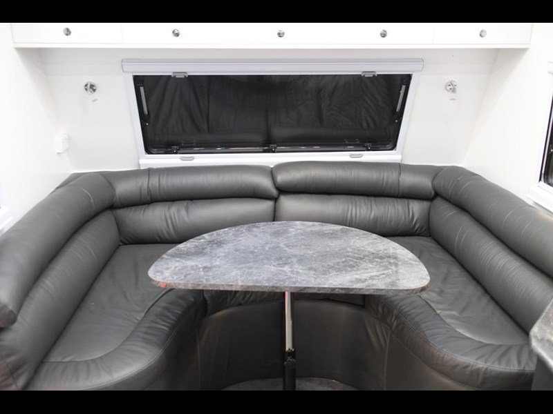 universal caravans crystal river slide out 418036 013